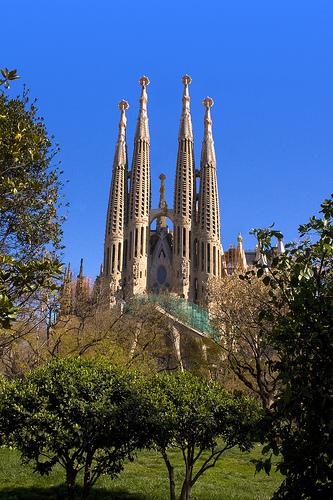 La sagrada familia e la alhambra due meraviglie in spagna