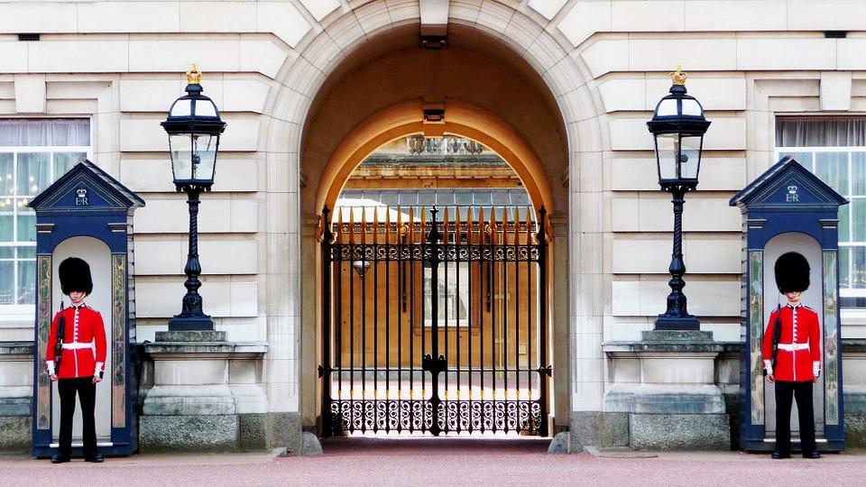 buckingham-palace-978830_960_720