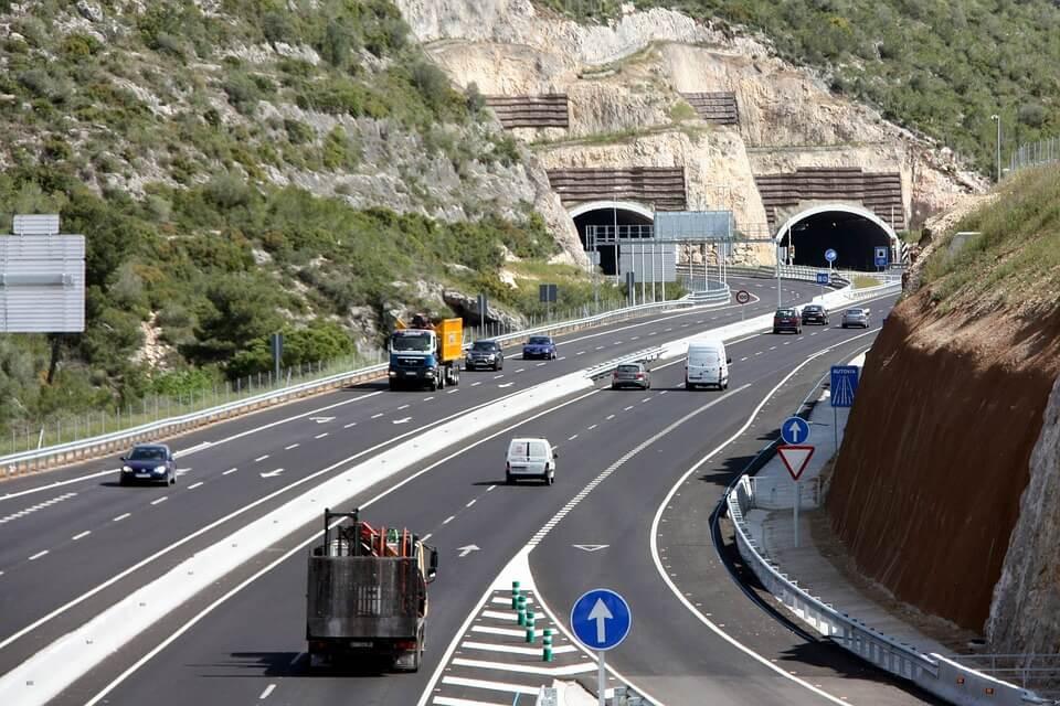 highway-546153_960_720